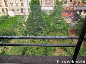 New York 2 Bedroom - Duplex accommodation - bedroom 1 (NY-15466) photo 4 of 4