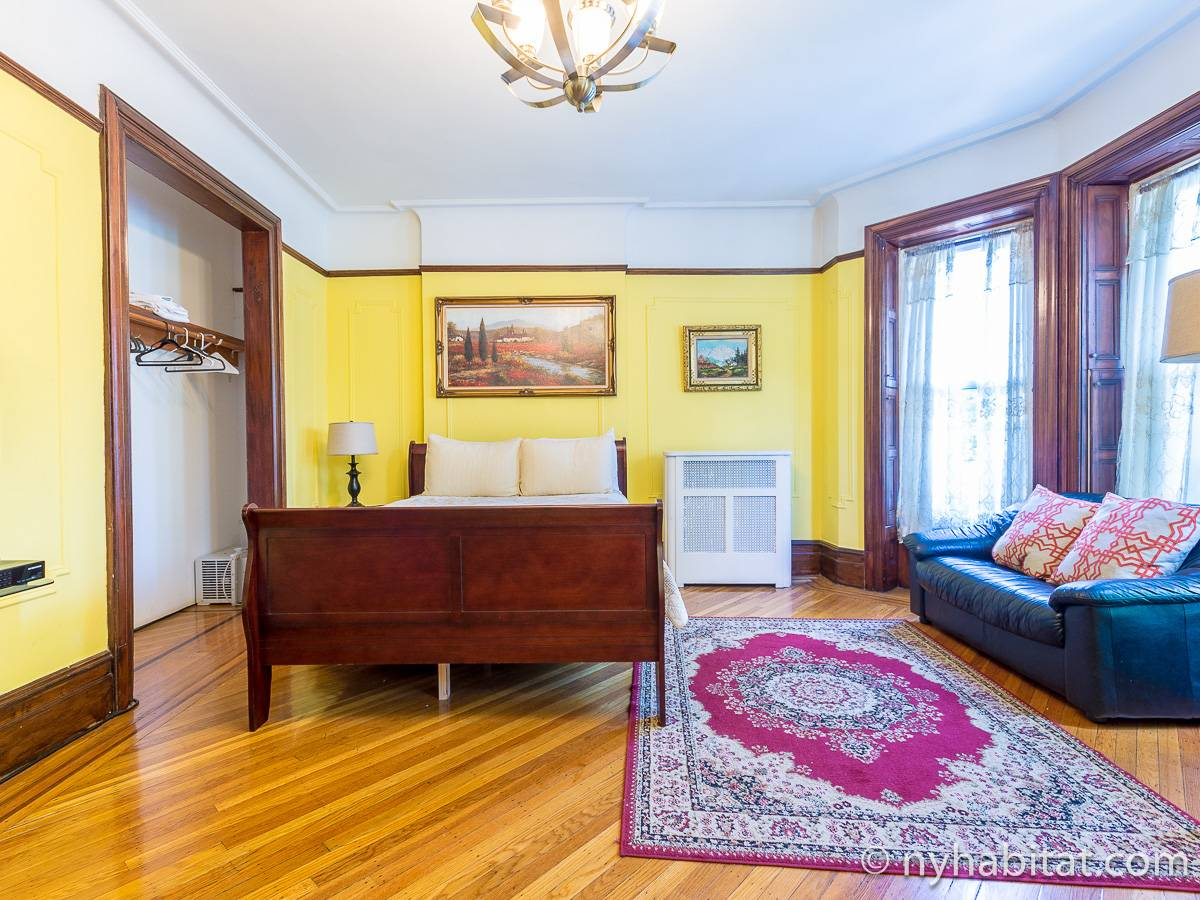 New York Accommodation 5 Bedroom Triplex Apartment Rental In Brooklyn NY 15