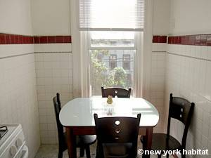 New York 3 Bedroom accommodation - kitchen (NY-15524) photo 3 of 7