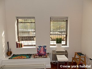 New York Studio apartment - living room (NY-15574) photo 3 of 5