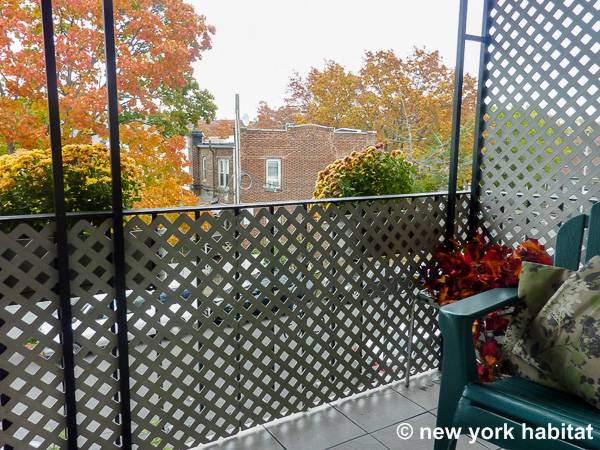 New York 3 Bedroom roommate share apartment - living room (NY-15645) photo 4 of 4