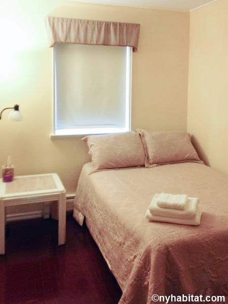 New York 3 Bedroom roommate share apartment - bedroom 3 (NY-15645) photo 2 of 2