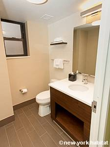 New York 1 Bedroom accommodation - bathroom (NY-15732) photo 3 of 3