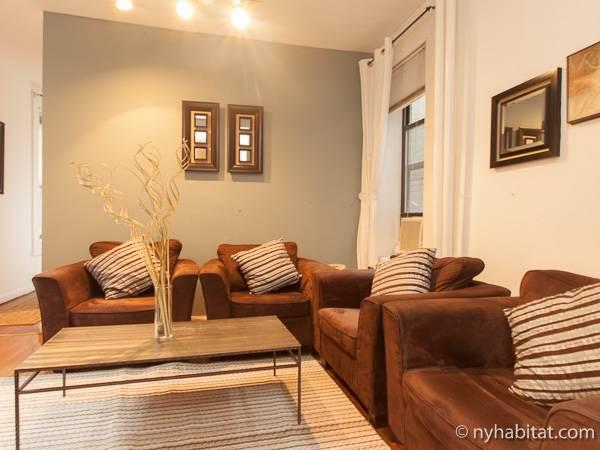 new york 3 bedroom apartment living room ny1574 photo 3 of