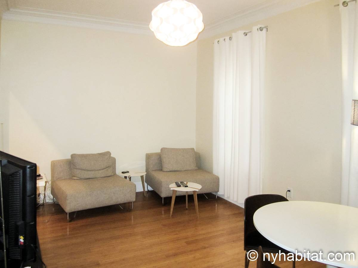 New York 2 Bedroom apartment - living room (NY-15745) photo 1 of 4