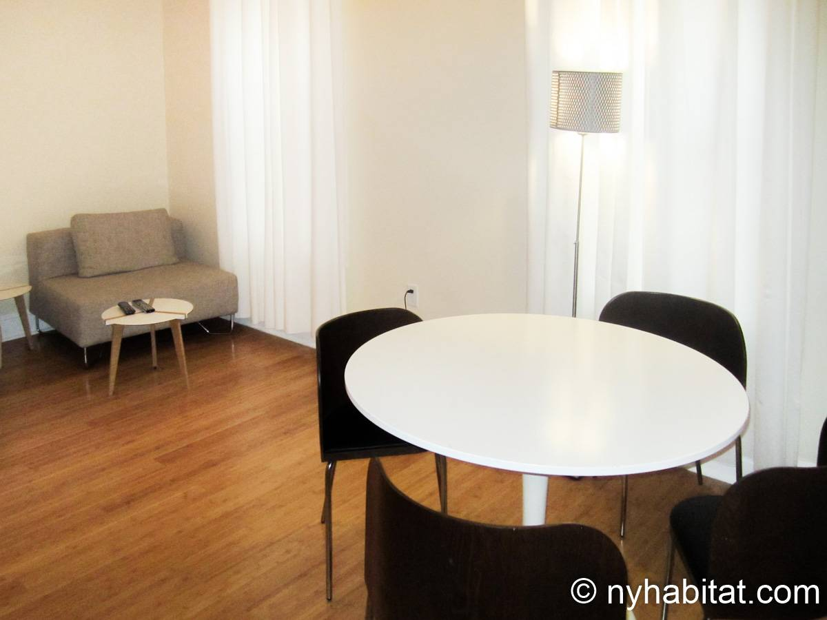 New York 2 Bedroom apartment - living room (NY-15745) photo 2 of 4