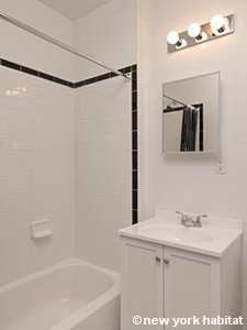 New York Studio apartment - bathroom (NY-15750) photo 1 of 2