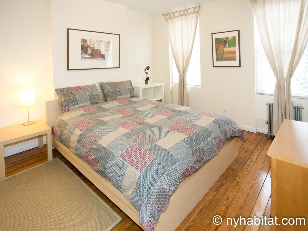 New York Apartment Bedroom Apartment Rental In Ridgewood - Bedroom furniture queens ny