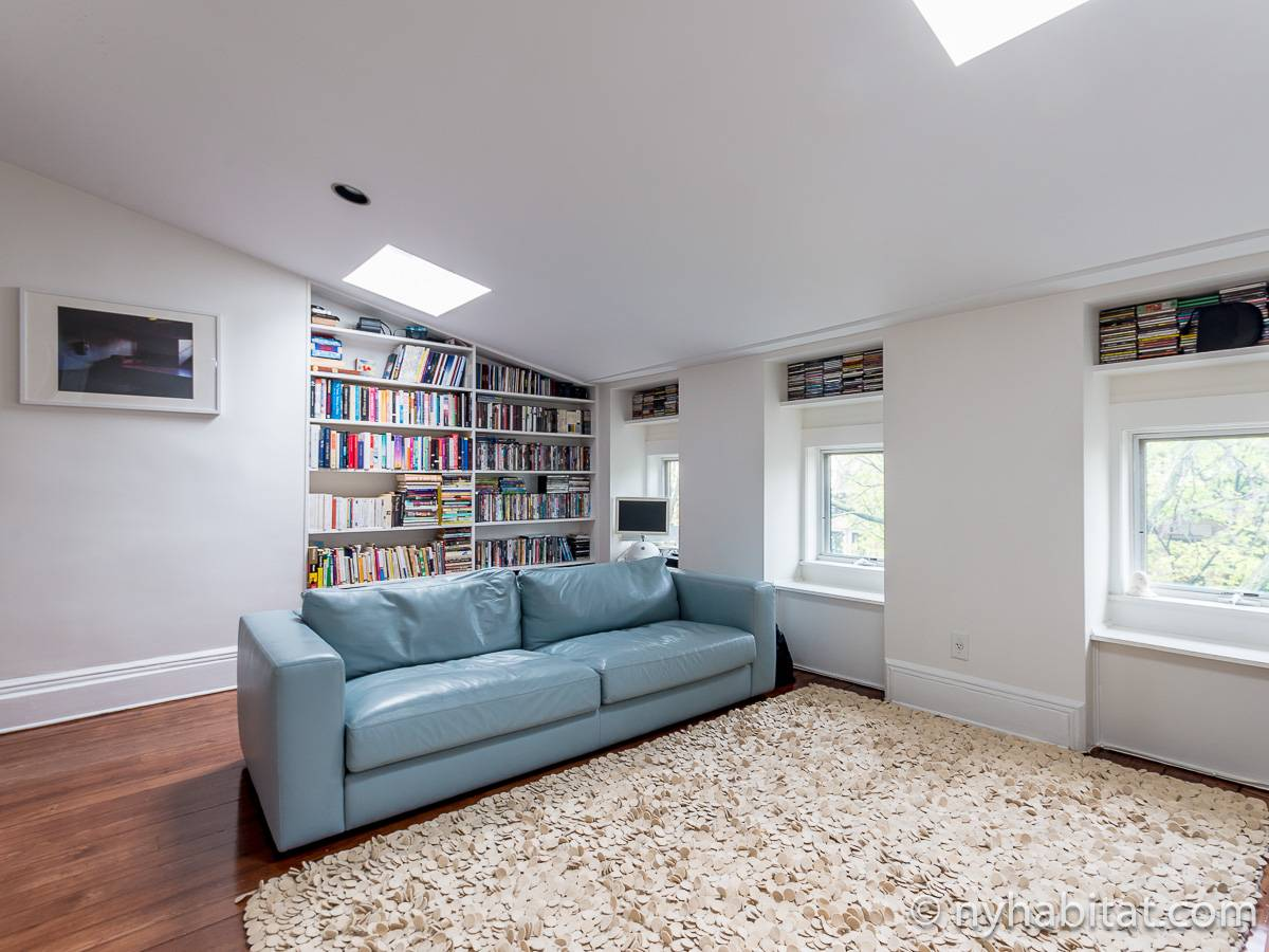 New York 3 Bedroom - Triplex apartment - living room 2 (NY-15804) photo 6 of 8
