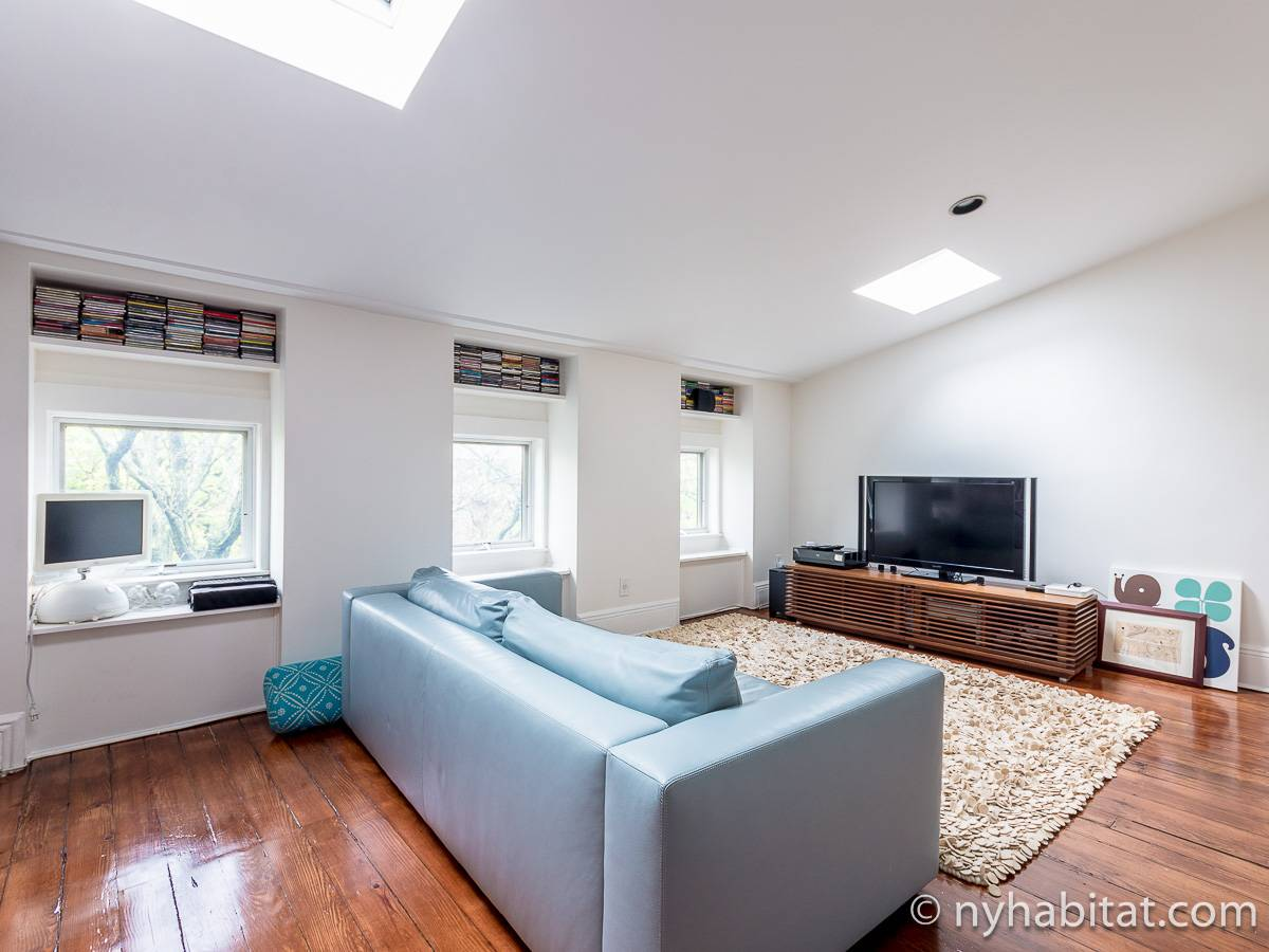 New York 3 Bedroom - Triplex apartment - living room 2 (NY-15804) photo 1 of 8