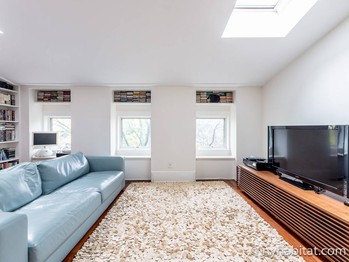 New York 3 Bedroom - Triplex apartment - living room 2 (NY-15804) photo 8 of 8
