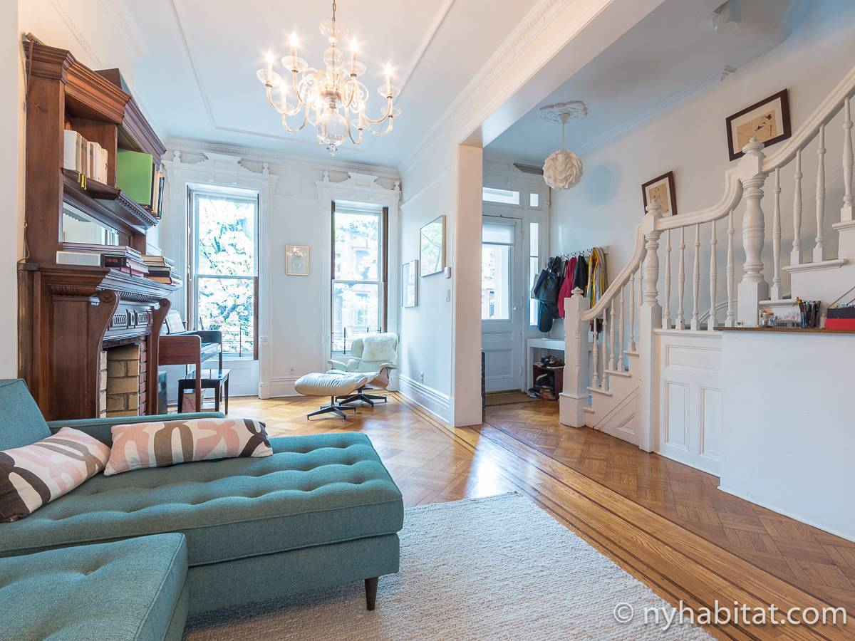 New York 3 Bedroom - Triplex apartment - living room 1 (NY-15804) photo 2 of 6