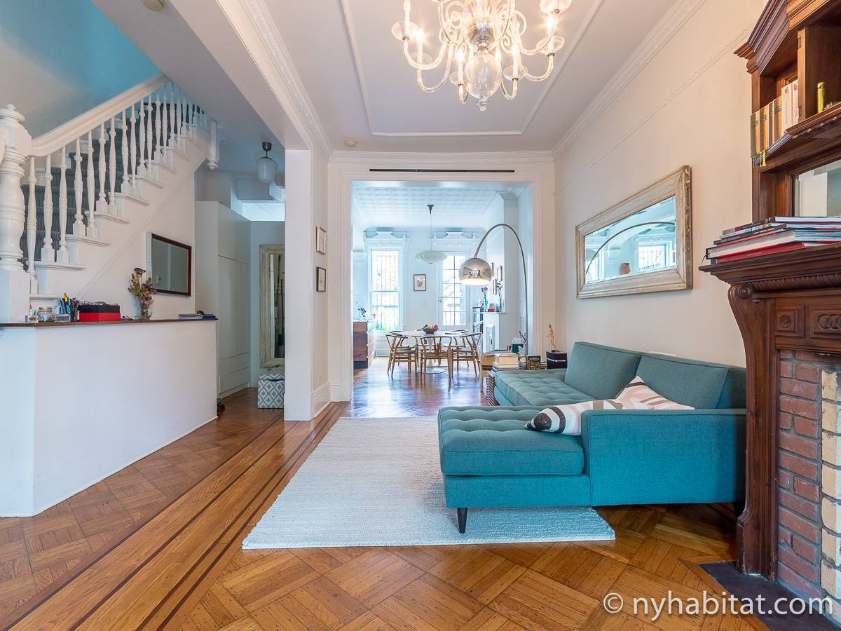 New York 3 Bedroom - Triplex apartment - living room 1 (NY-15804) photo 5 of 6