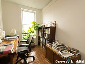 New York 3 Bedroom - Triplex apartment - living room 3 (NY-15804) photo 2 of 2