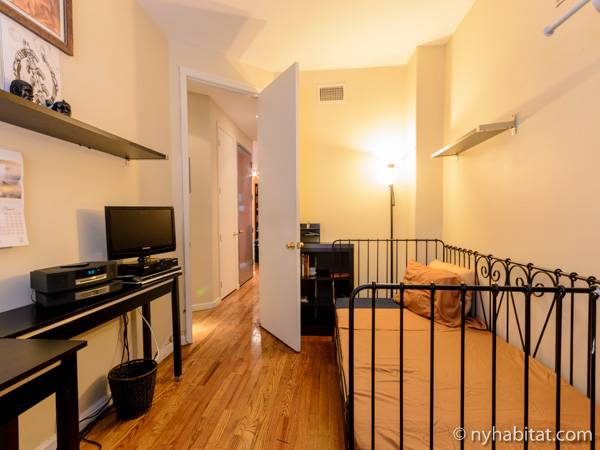New york roommate room for rent in bedford stuyvesant 2 for Stuyvesant apartments