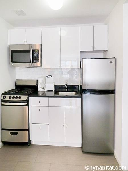 ... New York Studio Apartment   Kitchen (NY 15909) Photo 1 Of 2 ...