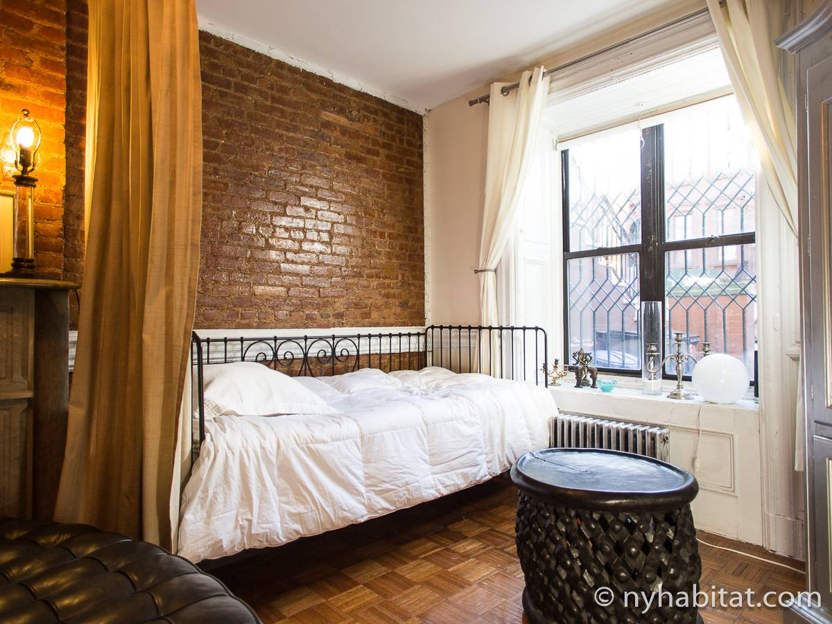 new york roommate room for rent in harlem 1 bedroom apartment ny 16082. Black Bedroom Furniture Sets. Home Design Ideas