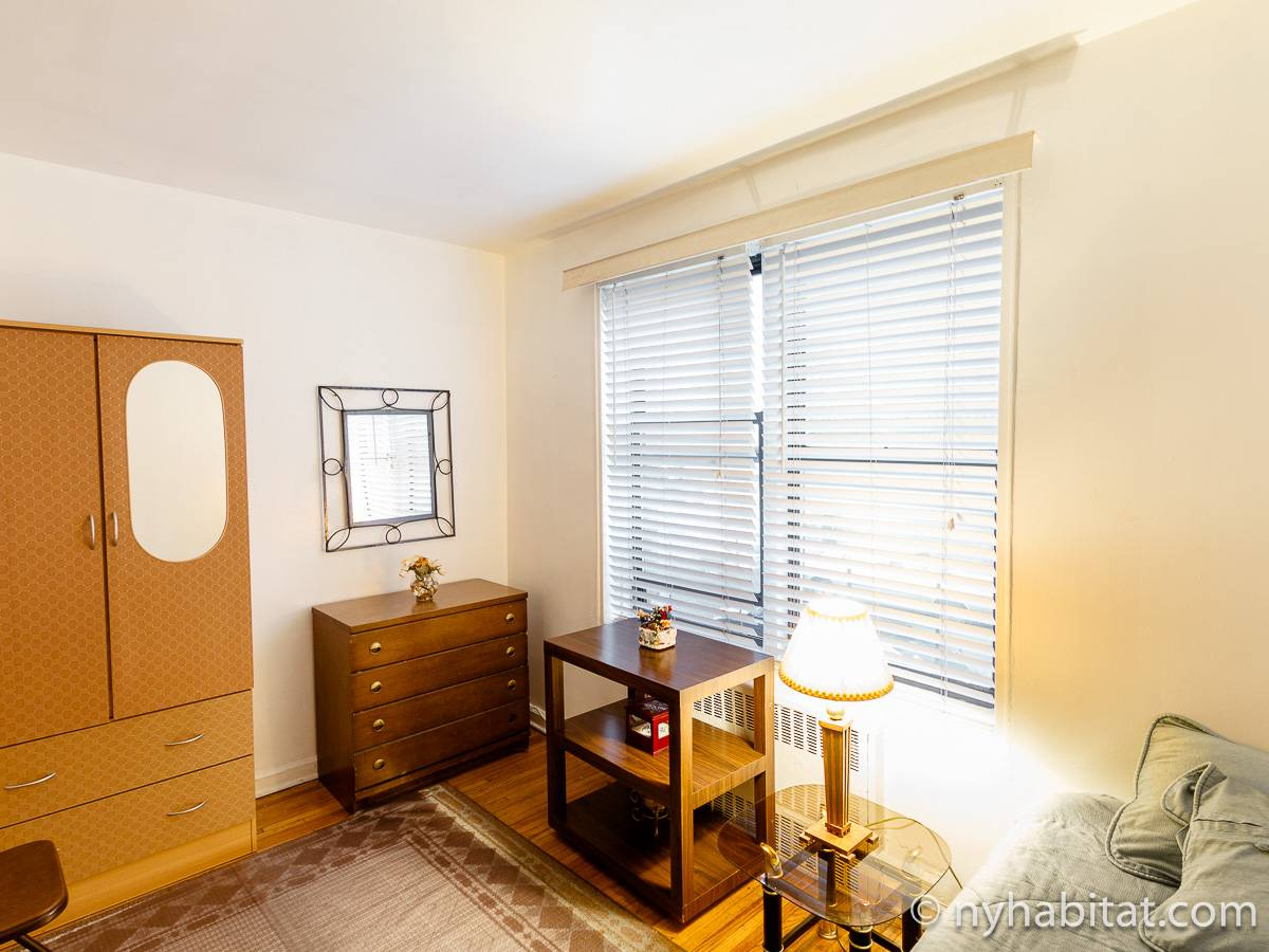 New York Roommate Room For Rent In Jackson Heights Queens 1 Bedroom Apartment Ny 16093
