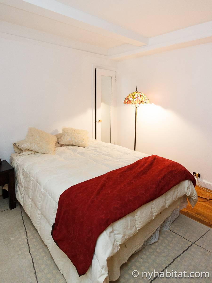 One Bedroom Nyc Apartment With A New Born Baby: New York Apartment: 1 Bedroom Apartment Rental In Midtown
