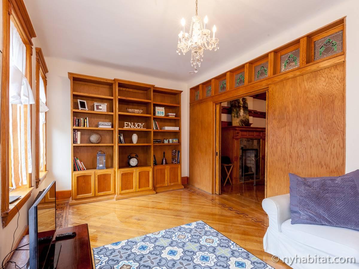 New York Accommodation 2 Bedroom Duplex Apartment Rental In Brooklyn Ny 16485