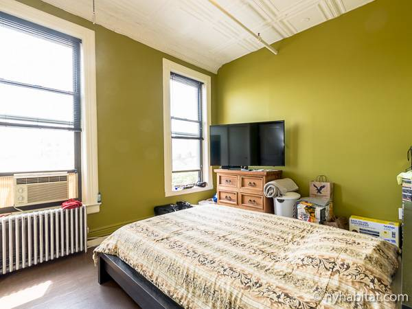 New york roommate room for rent in astoria queens 2 for Two bedroom apartments in queens