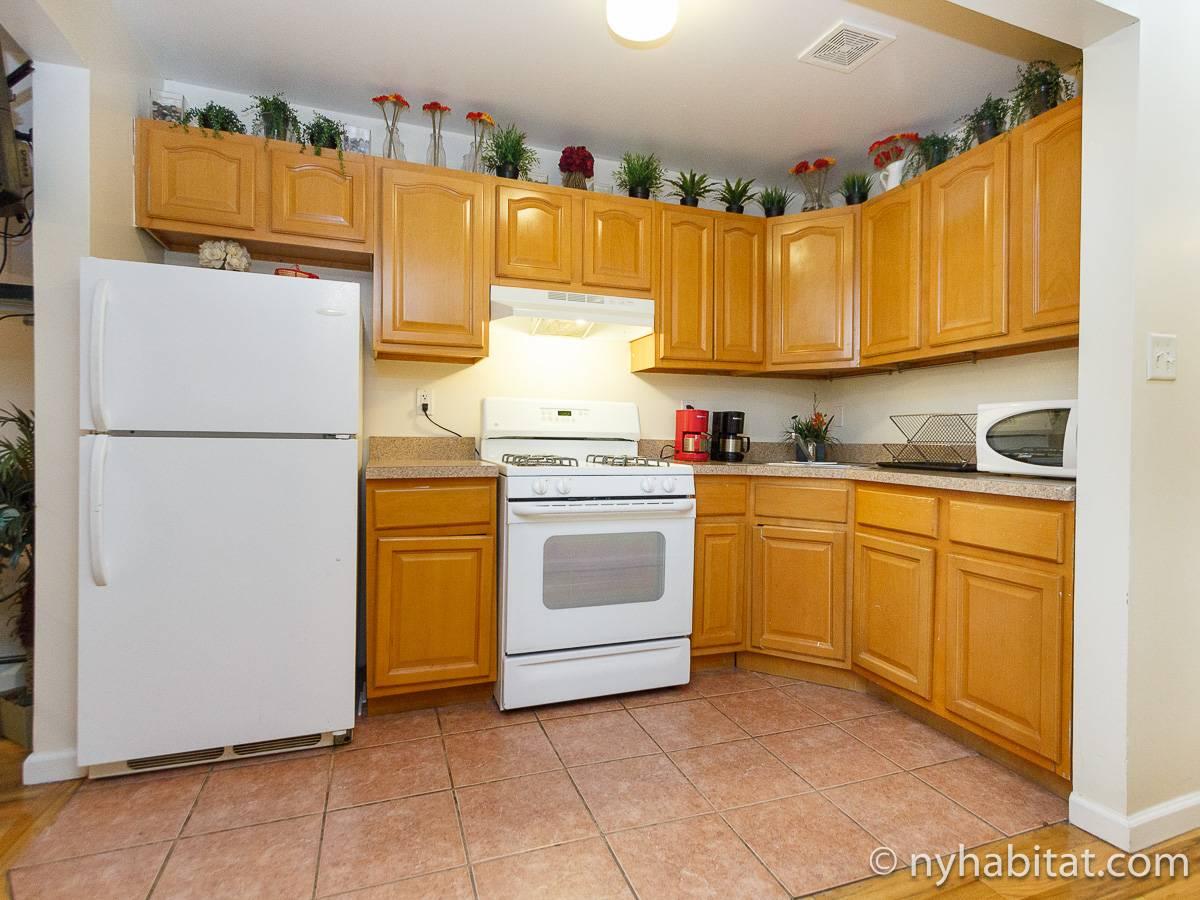 ... New York 3 Bedroom Roommate Share Apartment   Kitchen (NY 16621) Photo  1 ...