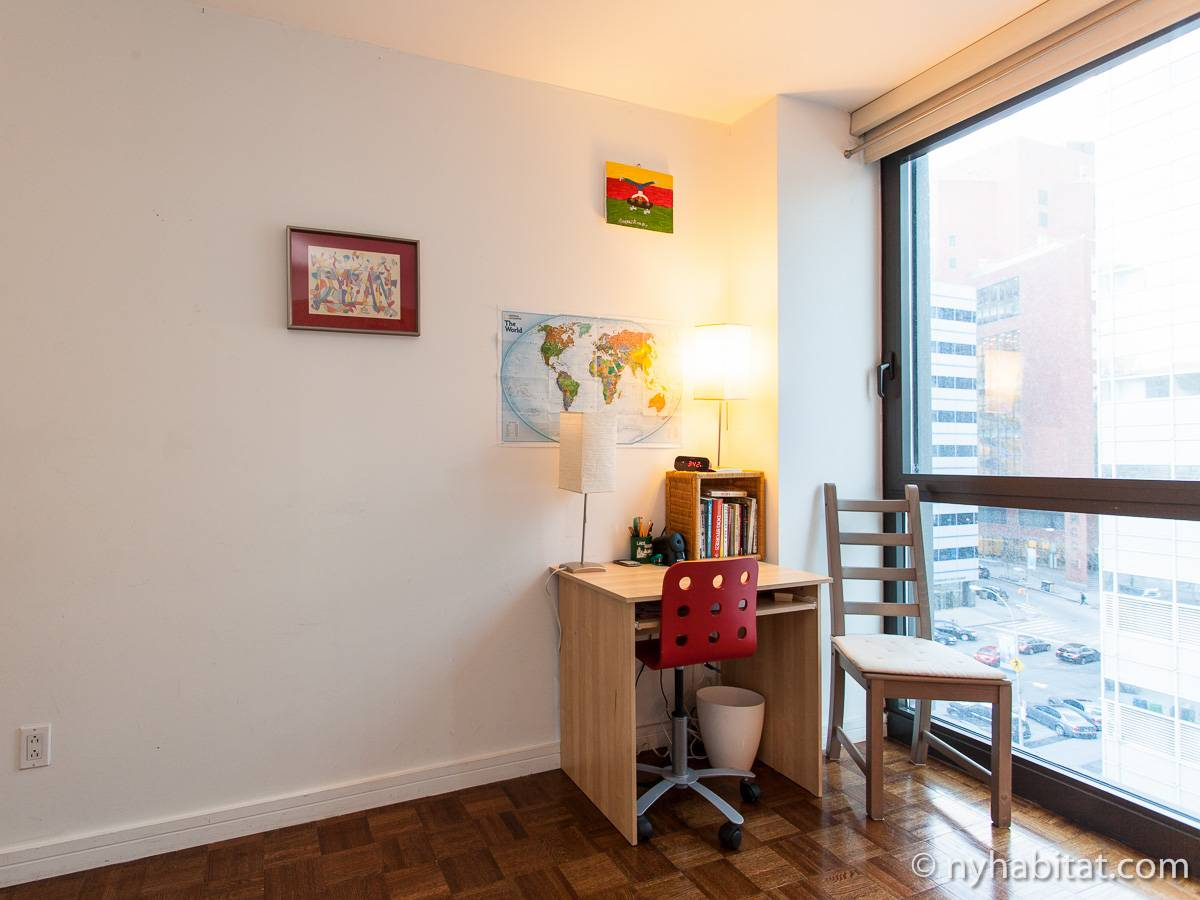 Nueva york 2 dormitorios piso para compartir dormitorio for Piso para compartir