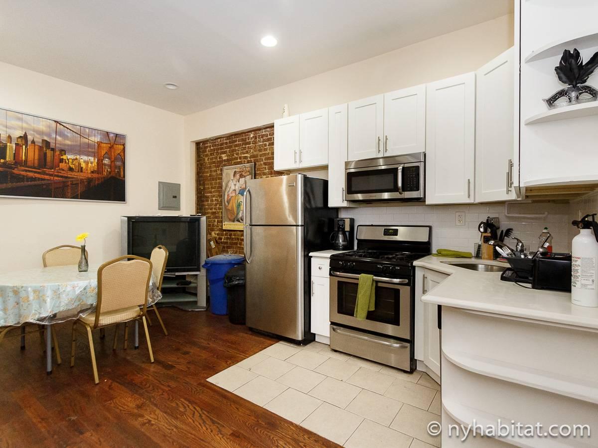 Stanza in affitto a new york 3 camere da letto crown for Appartamenti in affitto ny
