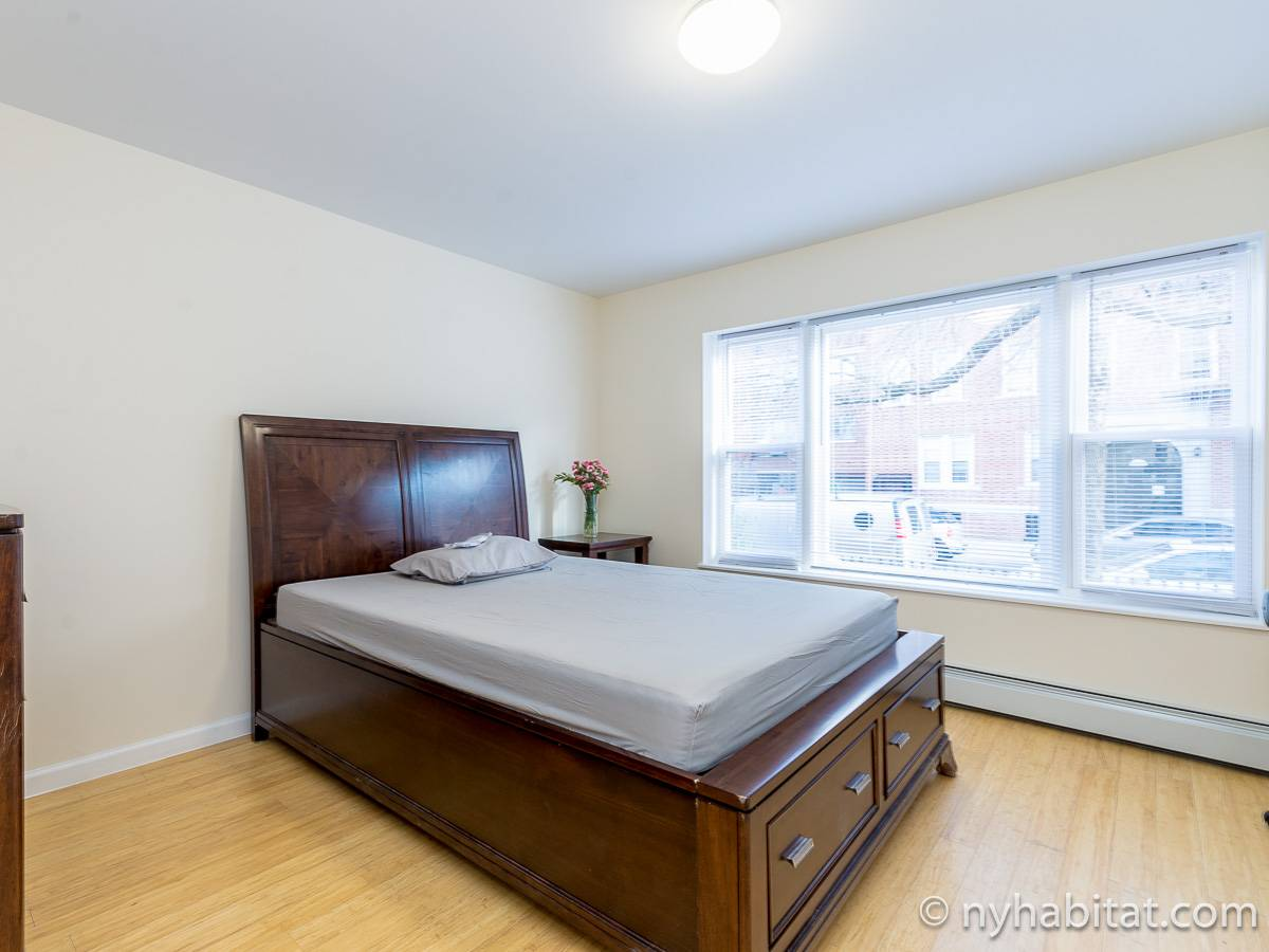 New York 3 Bedroom roommate share apartment   bedroom 1  NY 16714   photo  New York Roommate  Room for rent in Sunnyside  Queens   3 Bedroom  . 3 Bedroom Apartments Nyc Rent. Home Design Ideas