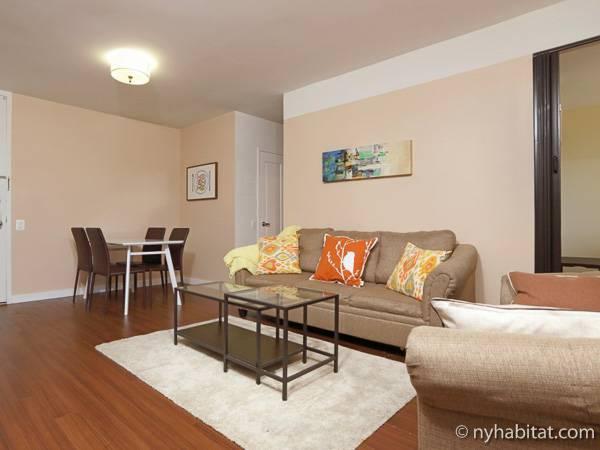 new york 3 bedroom apartment living room ny16727 photo 2 of