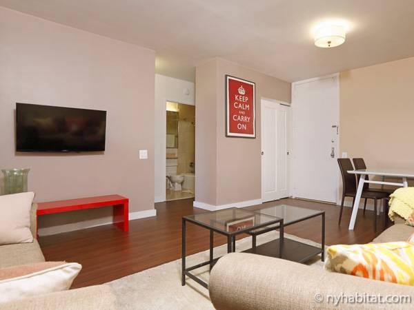 new york 3 bedroom apartment living room ny16727 photo 3 of