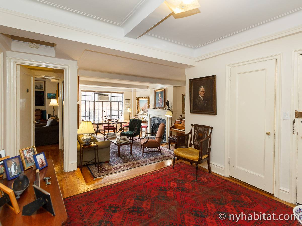 New York 2 Bedroom apartment   living room  NY 16732  photo 1 of