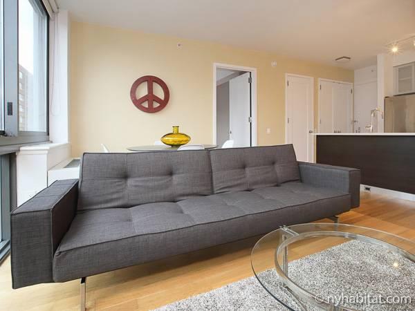 New York 2 Bedroom Apartment Living Room Ny 16778 Photo 4 Of