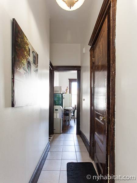 New York Roommate Room For Rent In Astoria Queens 3 Bedroom Apartment Ny 16802
