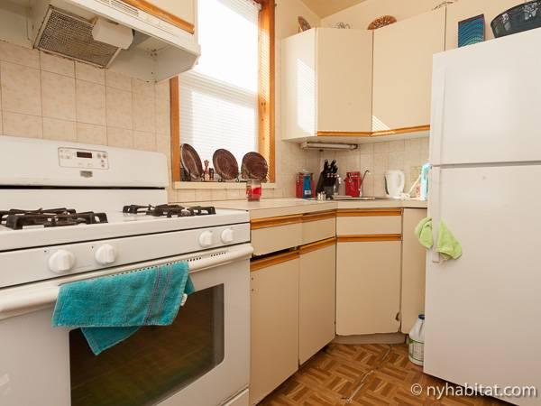 new york bedroom roommate share apartment kitchen ny photo