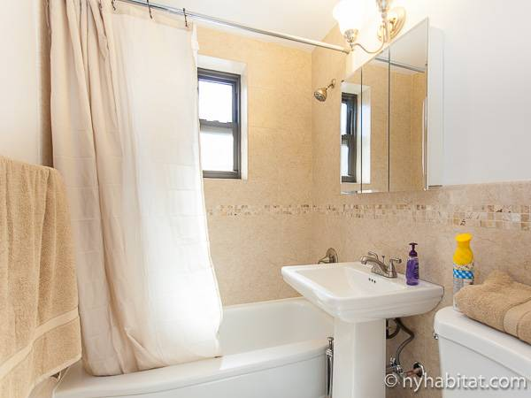 new york 2 bedroom apartment bathroom ny 16846 photo 2 of 2