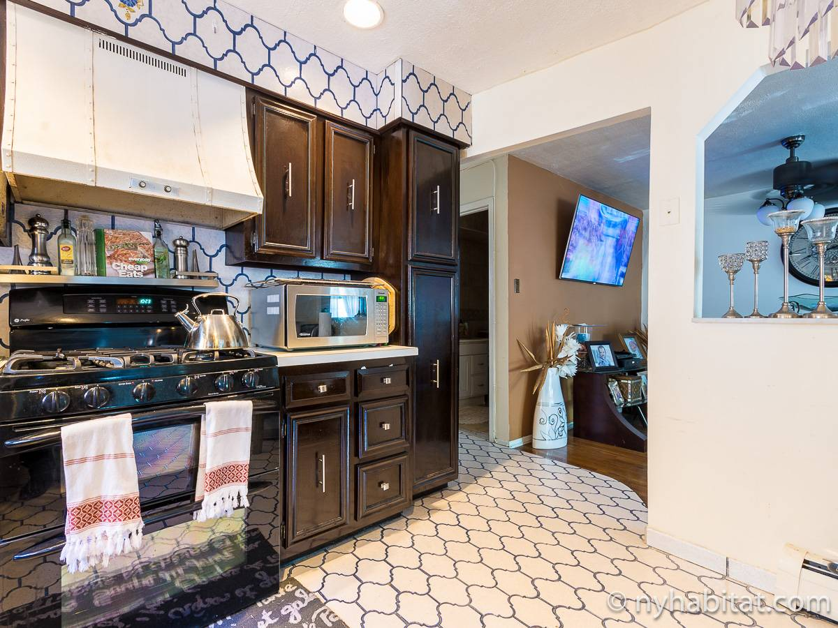 New york roommate room for rent in jamaica queens 3 - Three bedroom apartments for rent nyc ...