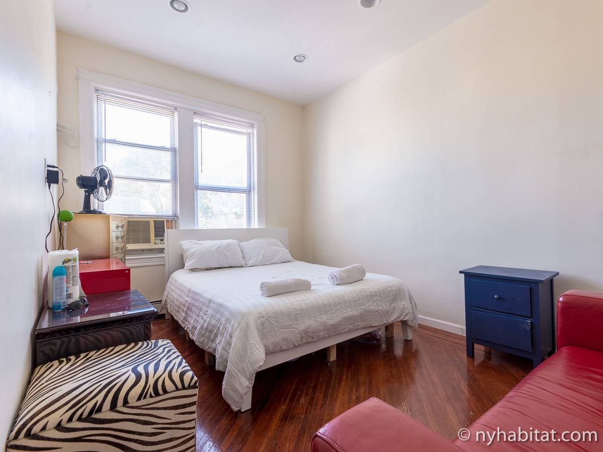 ... New York 3 Bedroom Roommate Share Apartment   Bedroom 1 (NY 16997)  Photo ...