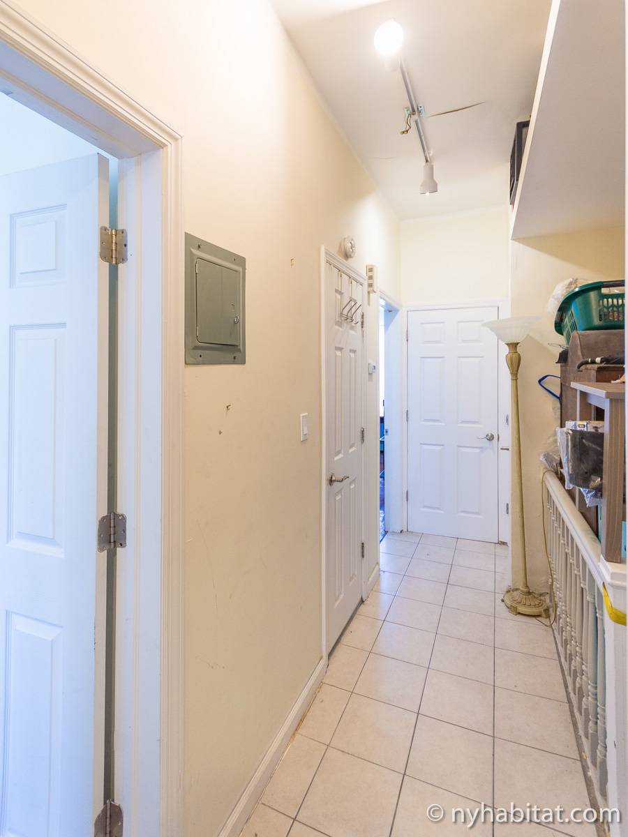 new york room for rent 3 bedroom apartment for a roommate in bay ridge