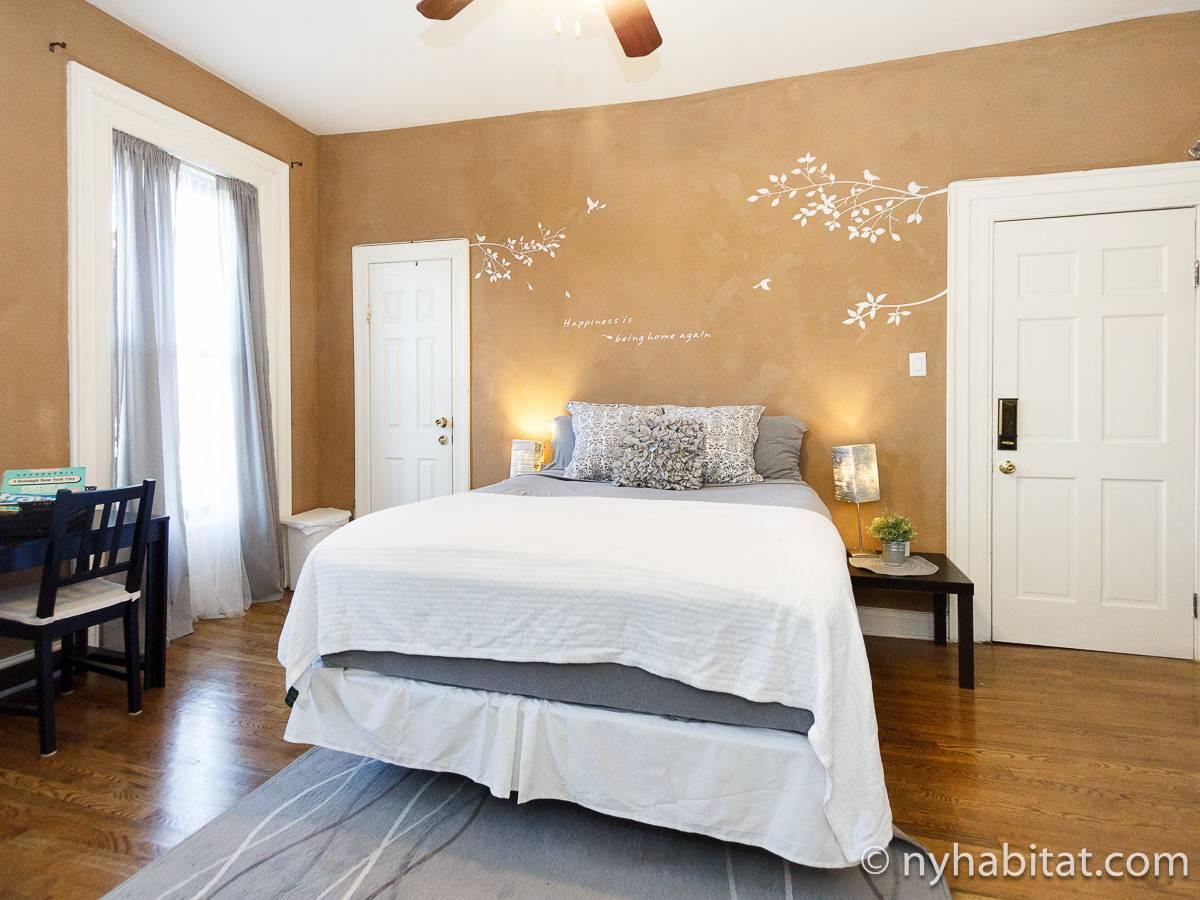 new york 2 bedroom accommodation bedroom 1 ny 17011 photo 3 of 6
