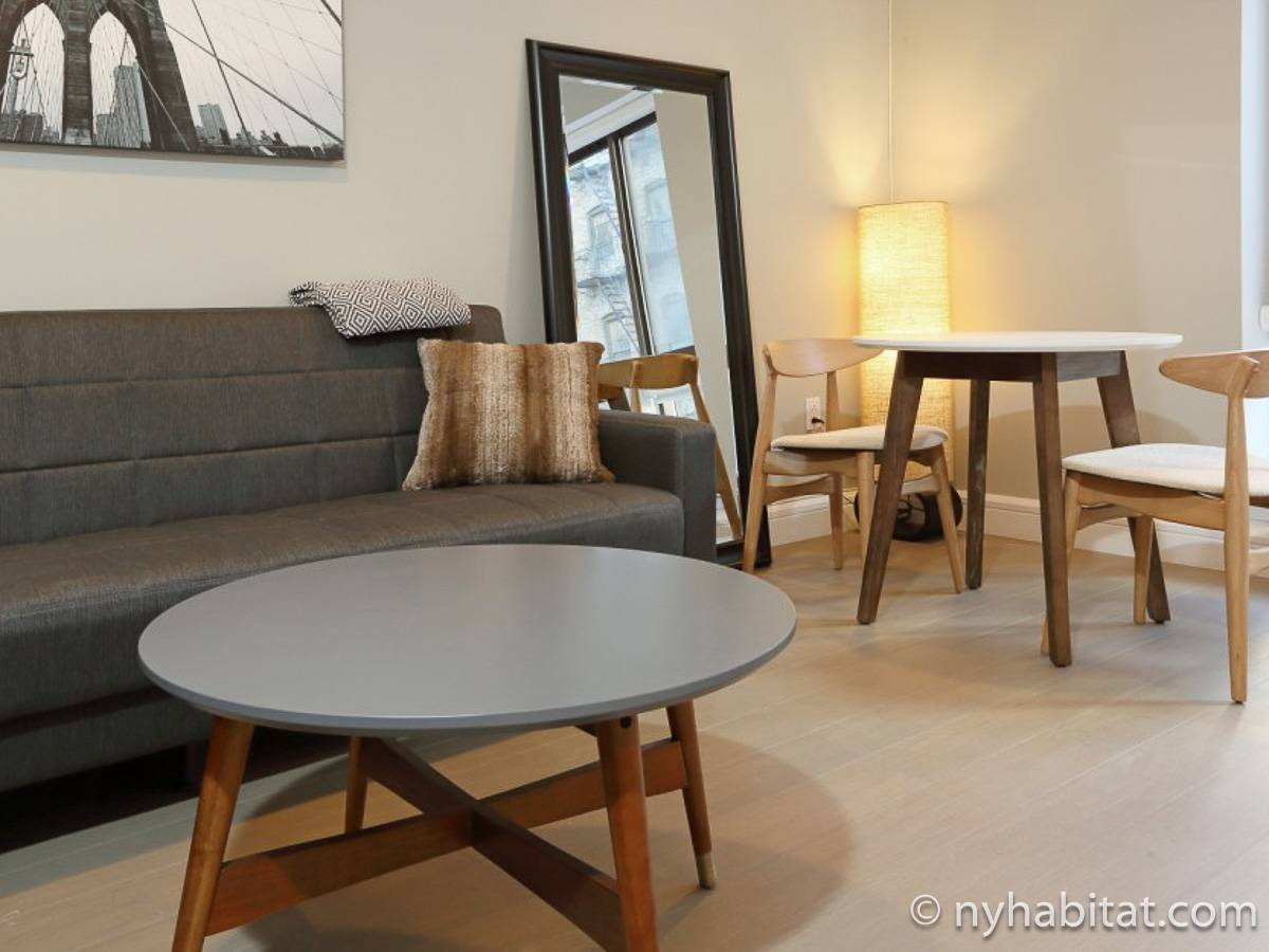 New York Apartment: Studio Apartment Rental in Midtown West (NY-17062)