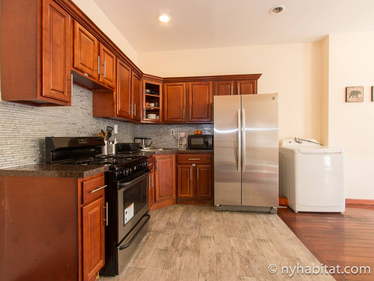 New York Roommate Room For Rent In Bushwick Brooklyn Bedroom
