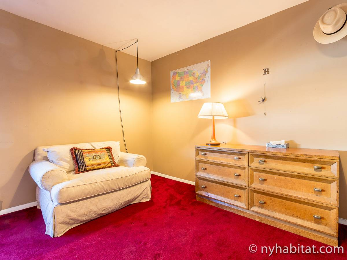 New York 3 Bedroom - Duplex roommate share apartment - bedroom 1 (NY-17088) photo 6 of 8