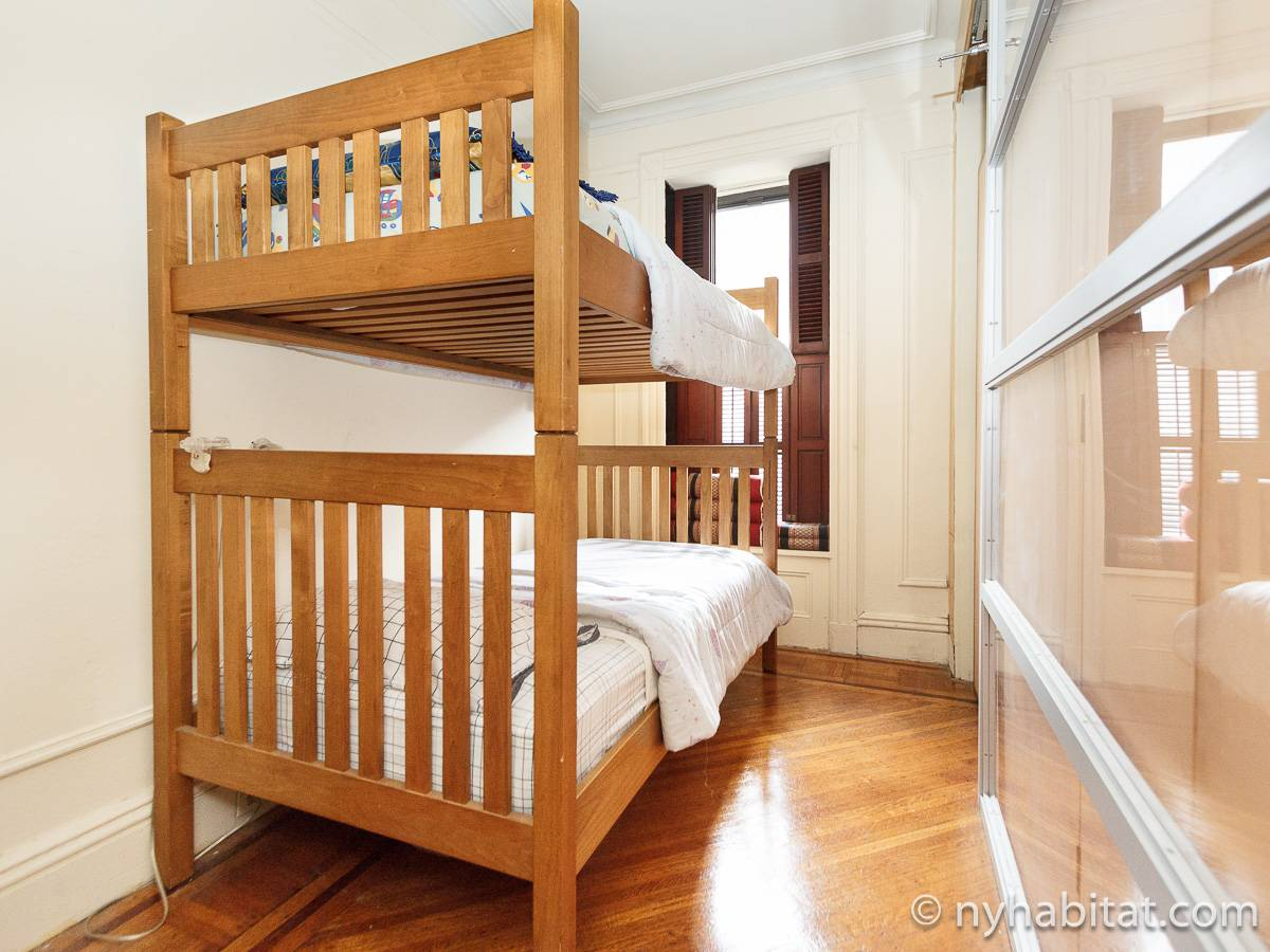 wohnungsvermietung in new york 3 zimmer bedford stuyvesant ny 17111. Black Bedroom Furniture Sets. Home Design Ideas