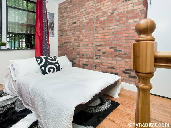 New York 3 Bedroom - Duplex roommate share apartment - living room (NY-17116) photo 4 of 4