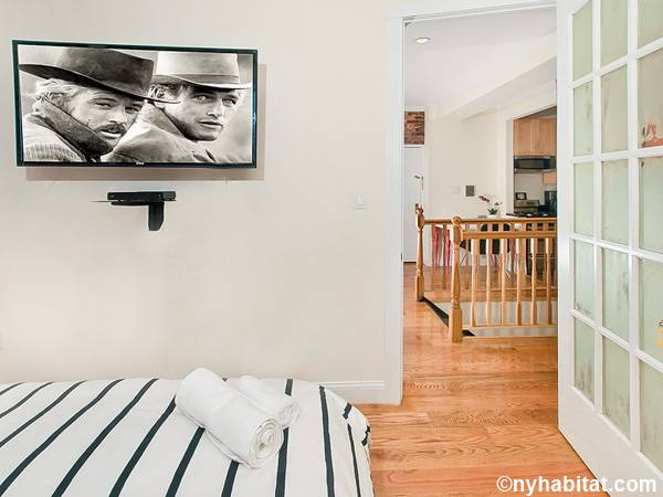 New York 3 Bedroom - Duplex roommate share apartment - bedroom 3 (NY-17116) photo 5 of 5