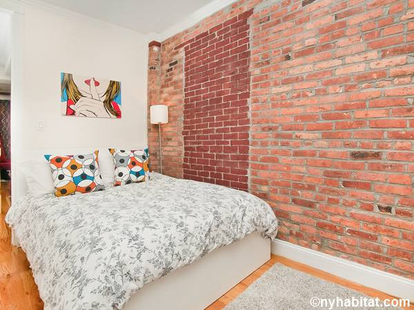 New York 3 Bedroom - Duplex roommate share apartment - bedroom 1 (NY-17116) photo 1 of 4
