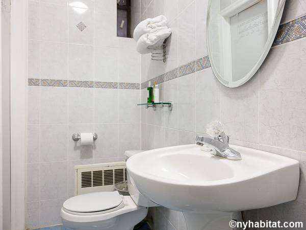 Studio Apartment Bathroom new york apartment: studio apartment rental in union square (ny-17127)