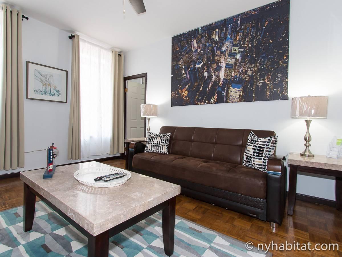 new york 3 bedroom apartment living room ny17149 photo 1 of