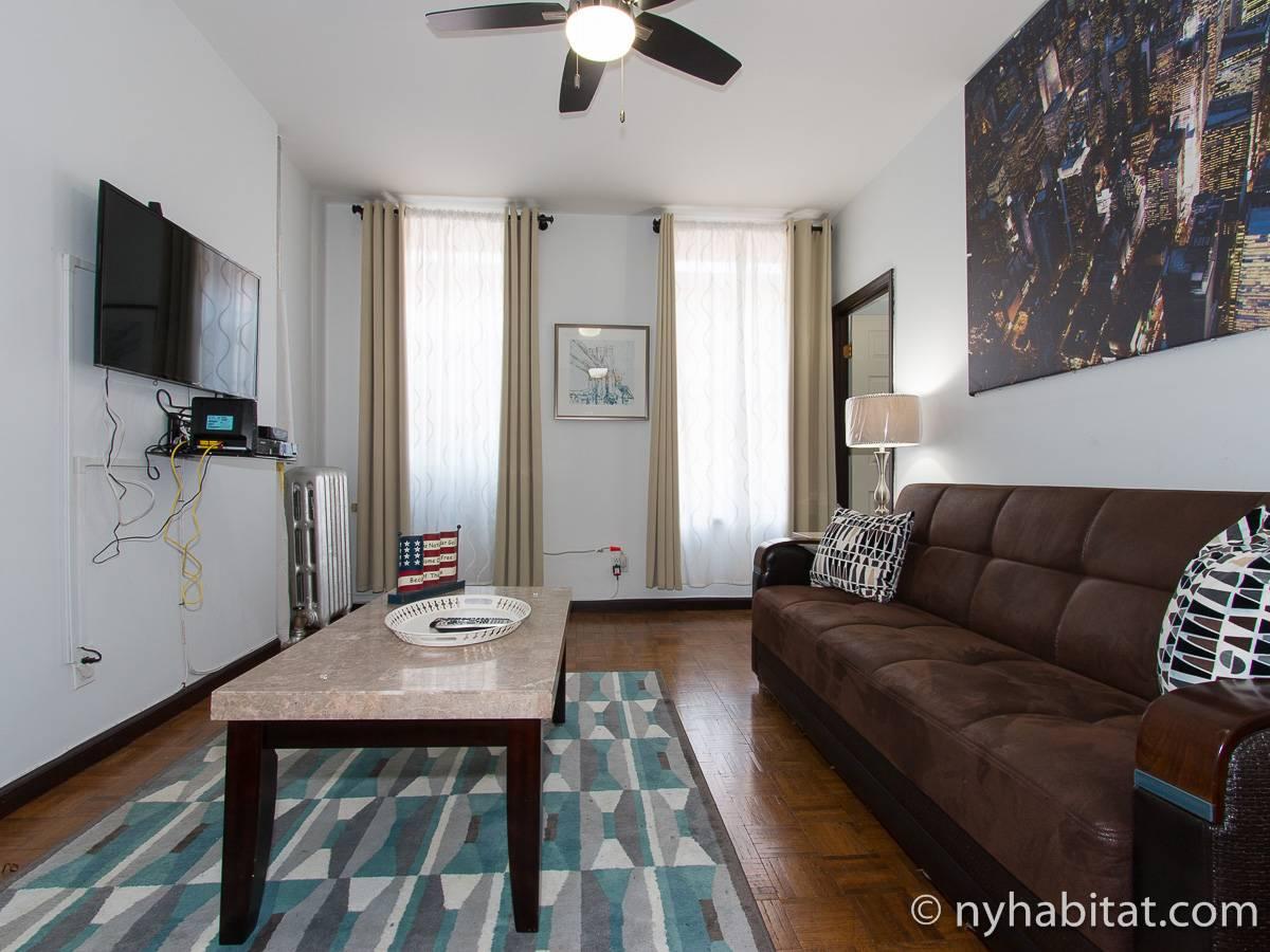new york 3 bedroom apartment living room ny17149 photo 2 of